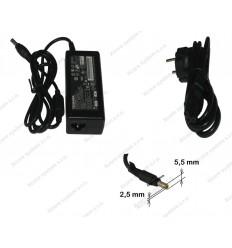 C Adapter TOSHIBA 19V 3,16A konektor 5,5x2,5 PA3032U-1ACA 60W